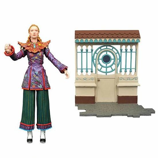 Alice Through The Looking Glass Diamond Select Figure Alice