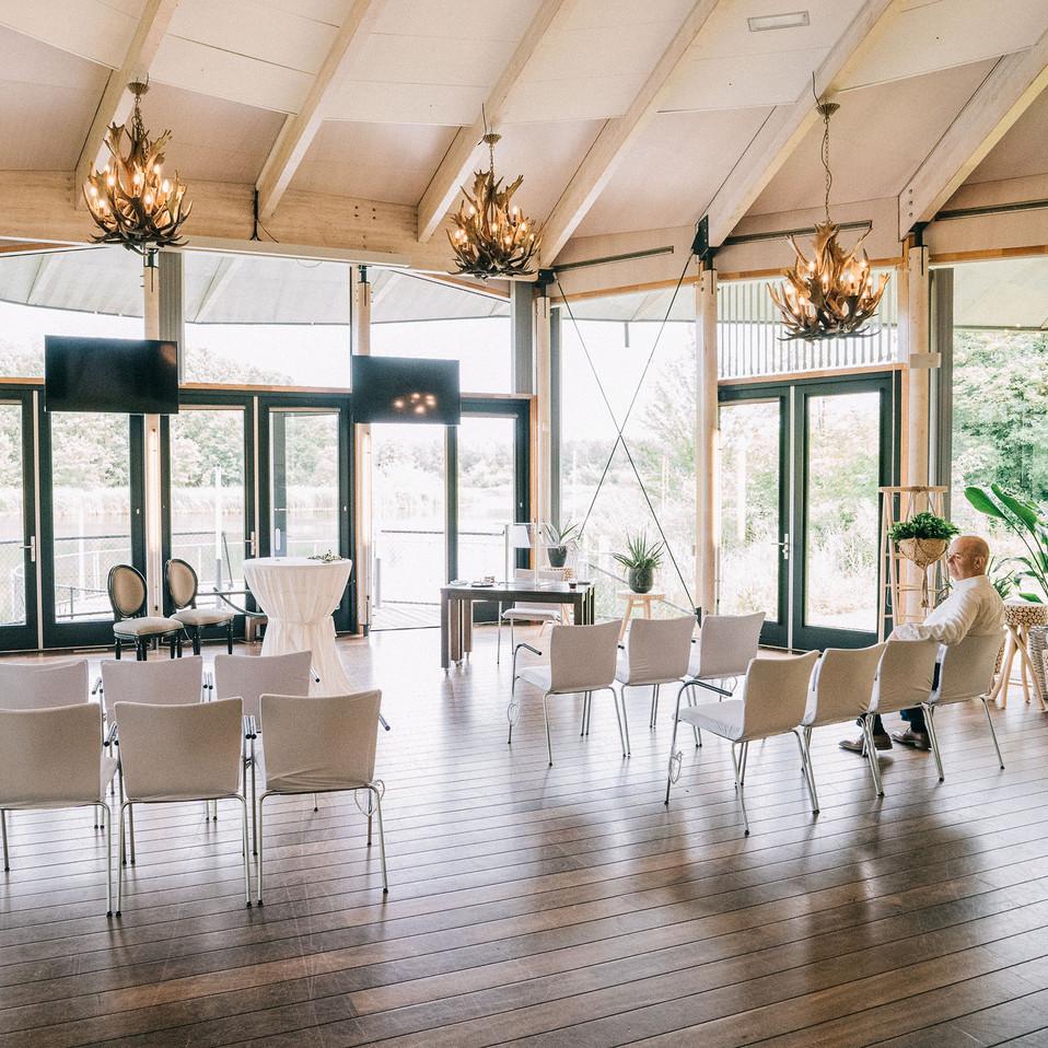 Wedding-interior-Blank-and-Burnet-Photography
