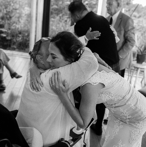 Bride-hugging-mother-Blank-and-Burnet-Ph