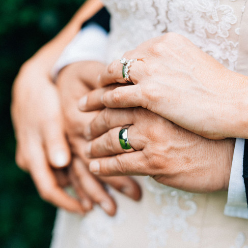 wedding-rings-intimate-wedding-blank-and-burnet-photography