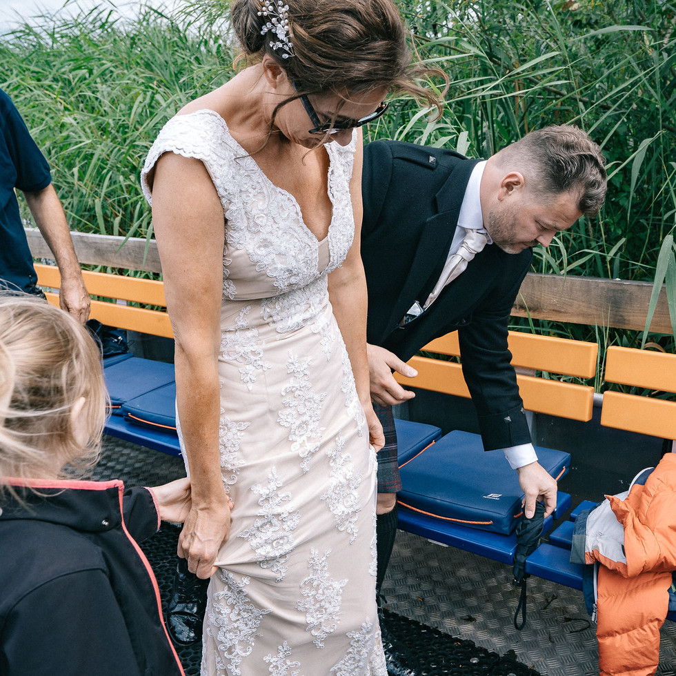 wedding-on-a-boat-blank-and-burnet-photography