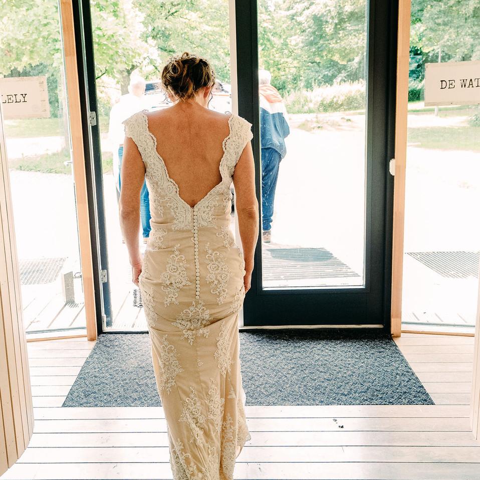 wedding-dress-in-the-light