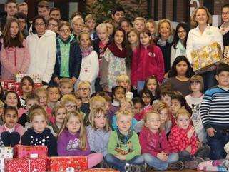 Weihnachtspäckchen gepackt von der Lindenschule