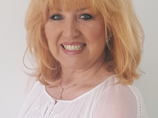 Festival presentatrice Yvonne Keeley