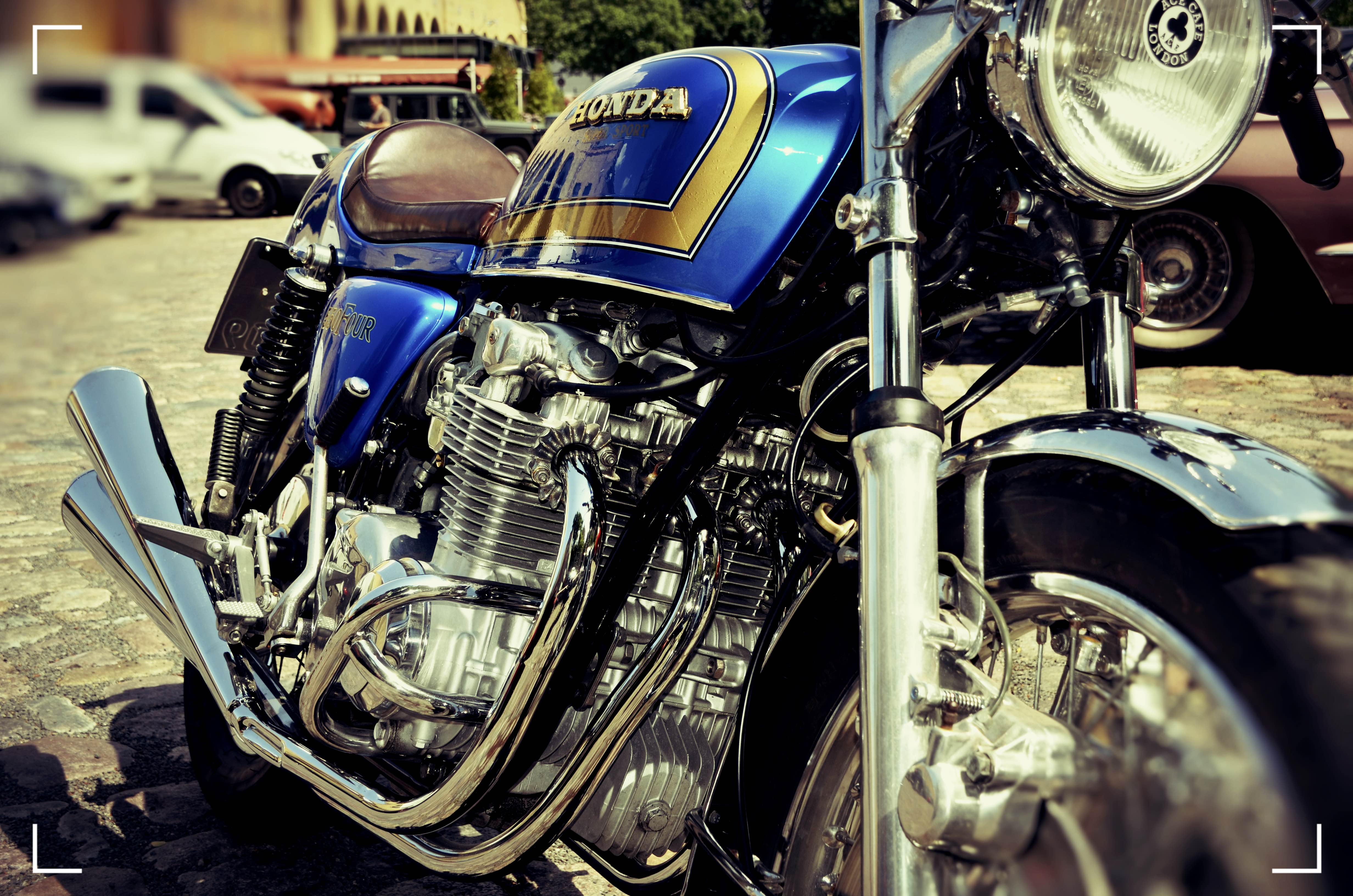 Honda CB 550 Four Cafe Racer 69 (9)