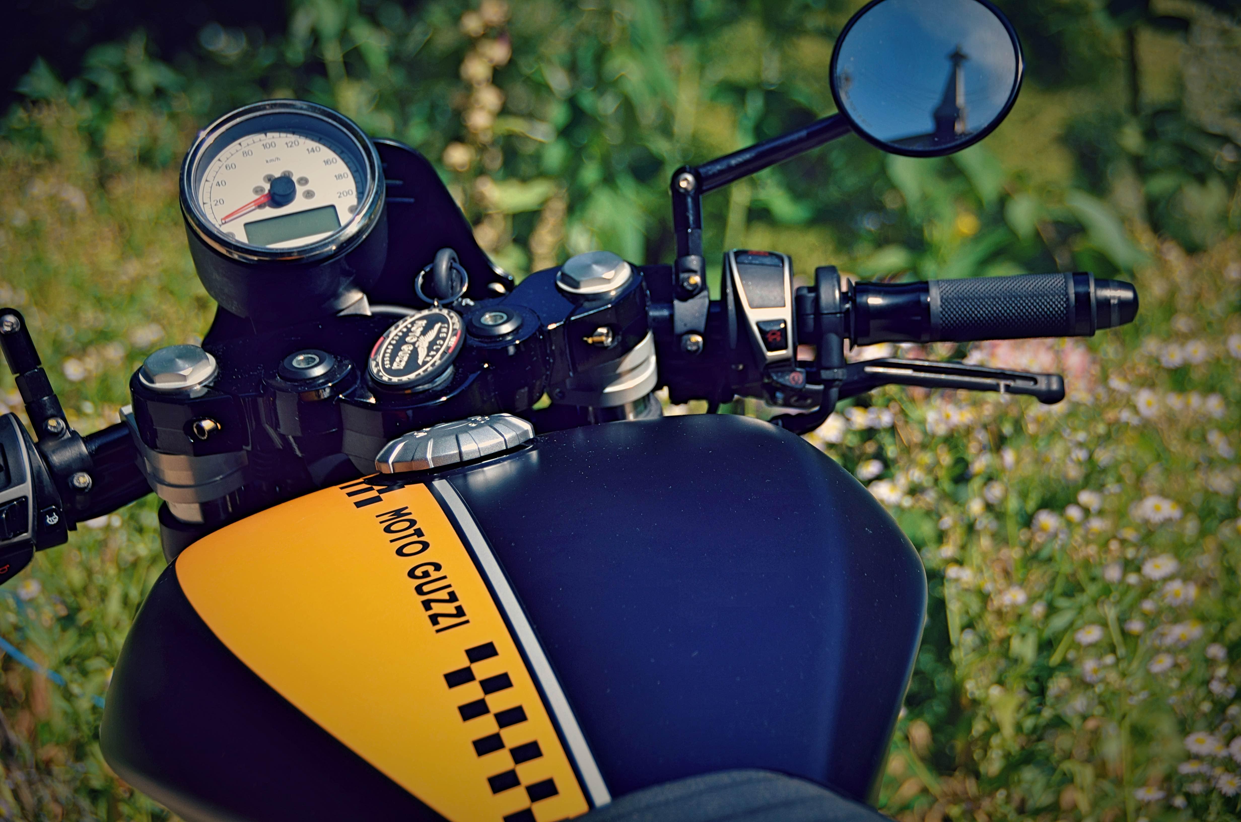 MG V9 Sport 2