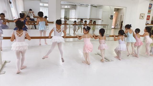 3歳からの初等科バレエはジャンプがお好き❤️