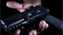 Cómo obtener la restitución de sus derechos de armas después de una condena por un delito grave