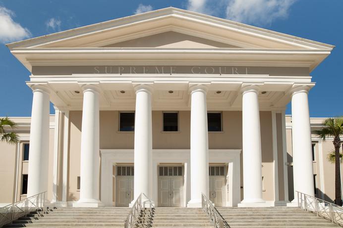 Asalto y Agresión en la Florida - ¿En Qué Se Diferencian?