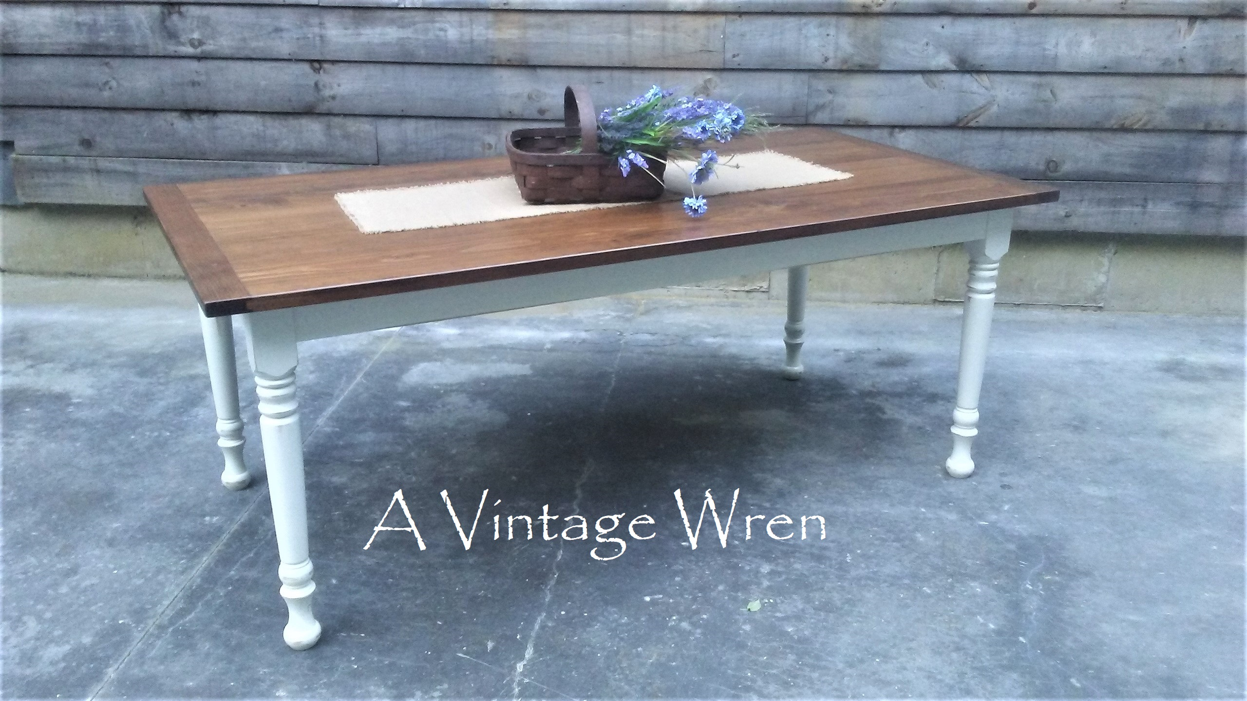 Pine Farm table with white base