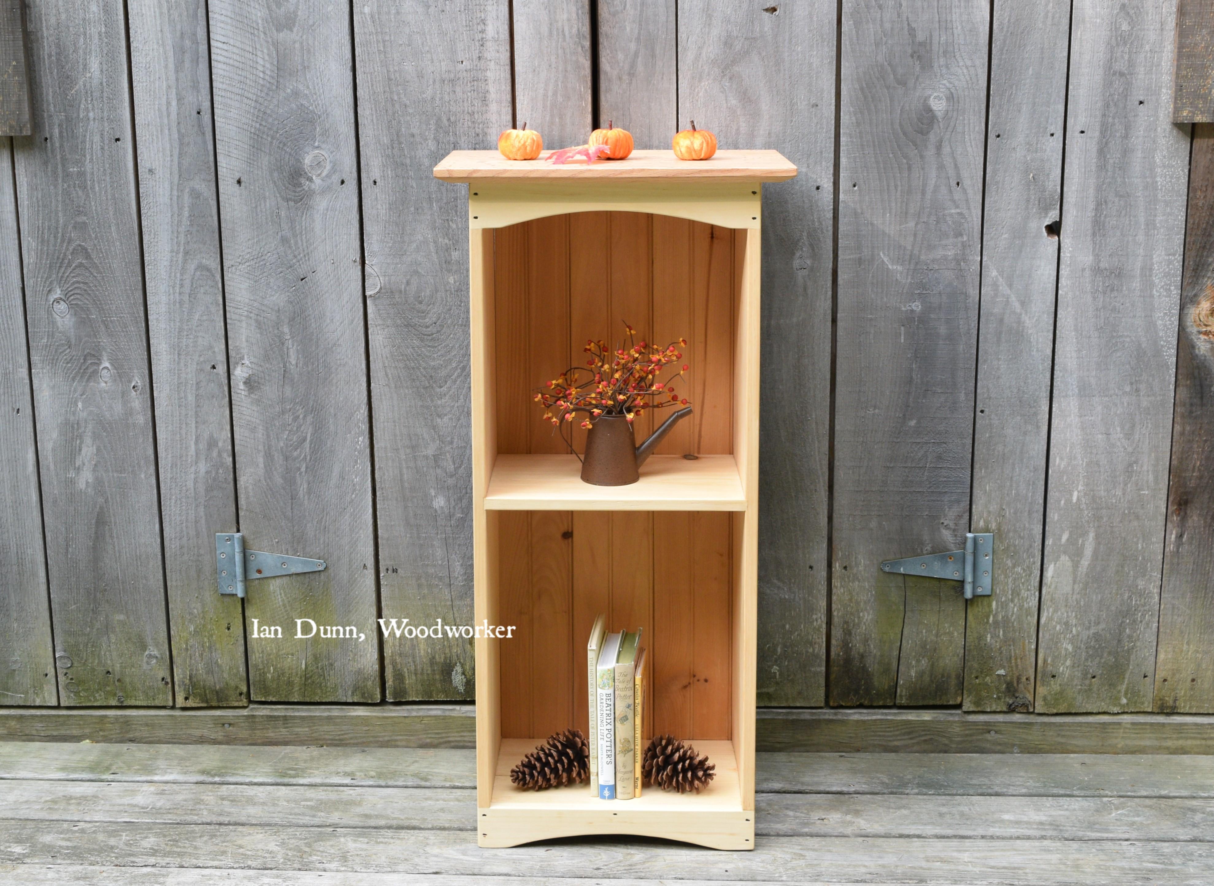 Bookcase/ bookshelf