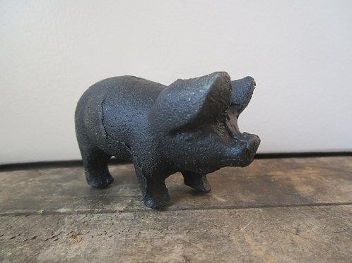 Cast Iron Pig / Piglet Decor