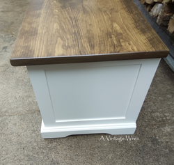 Side Panel on cubby bench