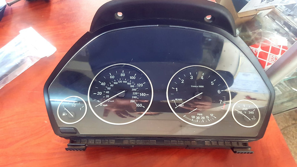 F30 Hız Gösterge Saati