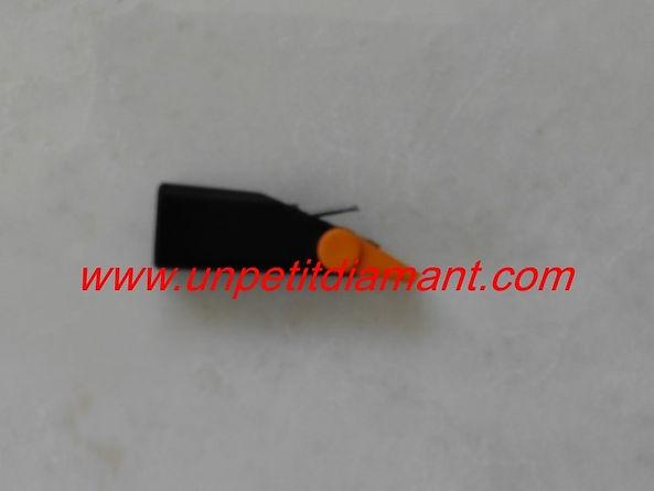 MAGNAVOX 25130079/81 DIAMANT DE REMPLACEMENT POUR PLATINE VINYLE NEEDLE DIAMOND STYLUS FOR TURNTABLE AGUJA TOCADISCO PUNTINA GIRADICHI NADEL PLATTENSPIELER TONNADEL