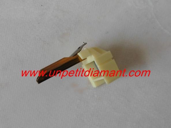 SHURE N 104E DIAMANT DE REMPLACEMENT POUR PLATINE VINYLE NEEDLE DIAMOND STYLUS FOR TURNTABLE AGUJA TOCADISCO PUNTINA GIRADICHI NADEL PLATTENSPIELER TONNADEL