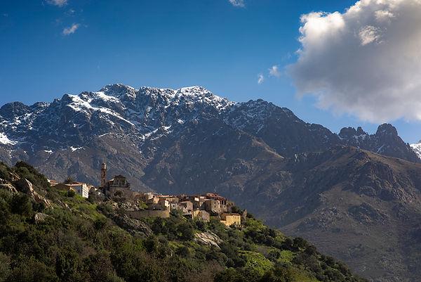 Montemaggiore corse village balagne klape montagne sommet neige