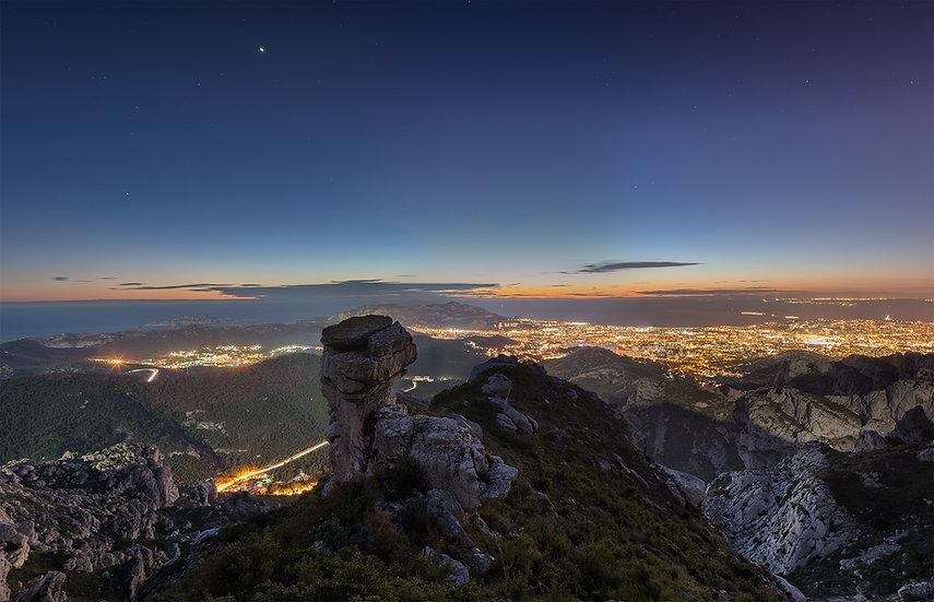 marseille carpiagne calanque nuit ville nature cote bleue marseilleveyre crepuscule