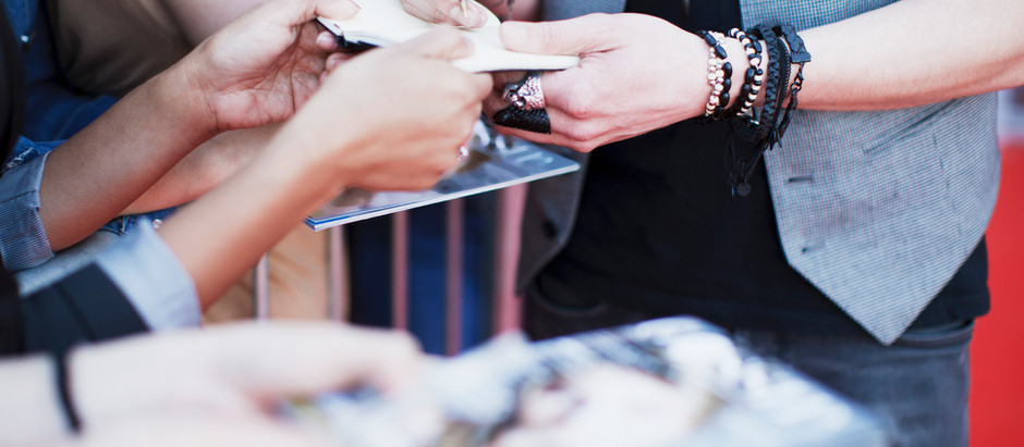 HOW TO GET AN AUTOGRAPH FRON YOUR FAVORITE STAR