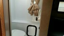 욕실이 좀 작은 팔로미노