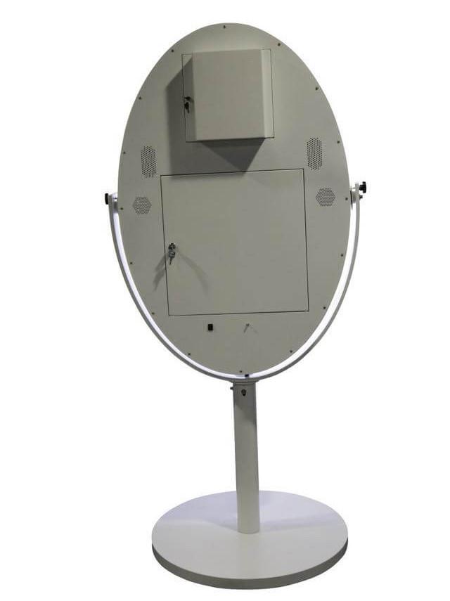 oval-photo-booth.jpg