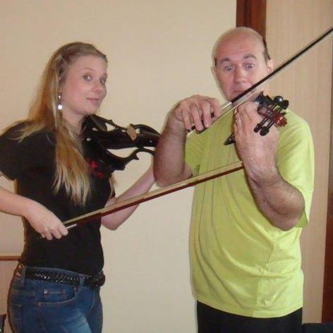 Violin lesson to Tony Martin (ex-Black Sabbath)