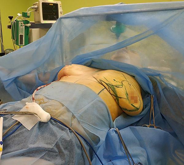 Доктор-пластичний хірург Віктор Сащин.jp