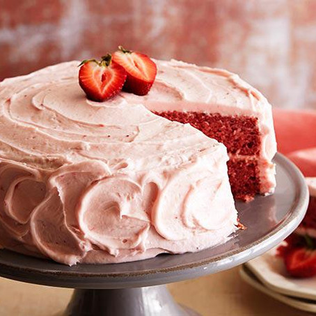 Fresh Strawberry Cake with Strawberry Icing