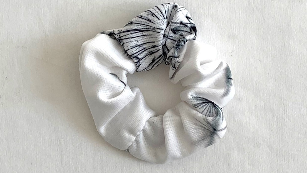 DANDELION Cotton Scrunchie