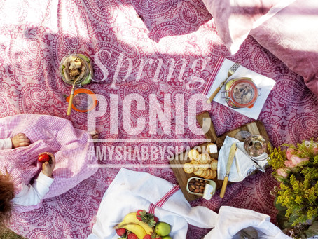 Pretty Pink Picnic for Romancing The Home & Garden!