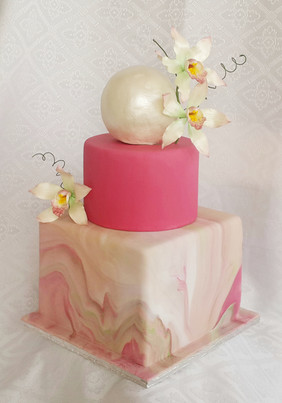 Contemporary Wedding Cake with Orchids i