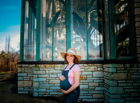 Tropical Vibes: Jo's Maternity Session