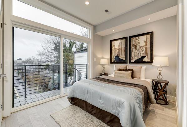 711 15th Street NE Bedroom