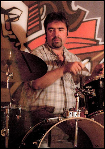 барабаны и барабанщик