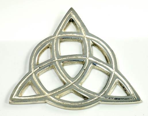 Open Cut Triquatra Tile