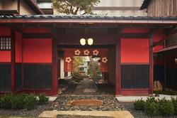 KAI Kaga_Entrance_01