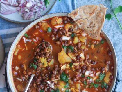 Chana Bateta – Black Chickpeas and Potato Curry – A Family Recipe