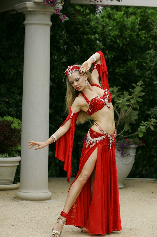 Louchia red costume white diamonds Genie
