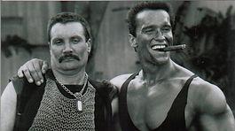 vernon wells commando with Arnold.jpg