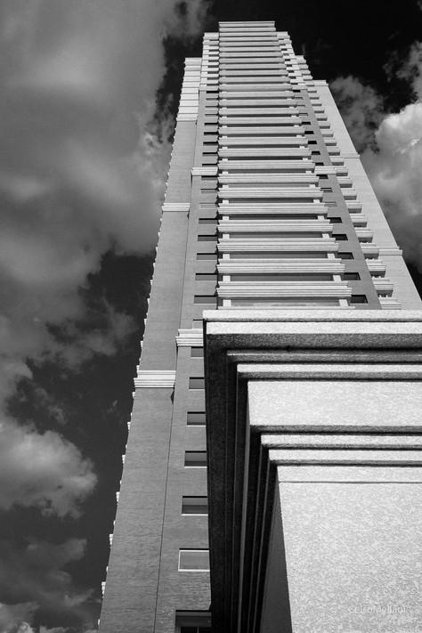 O preto & branco na fotografia de arquitetura.
