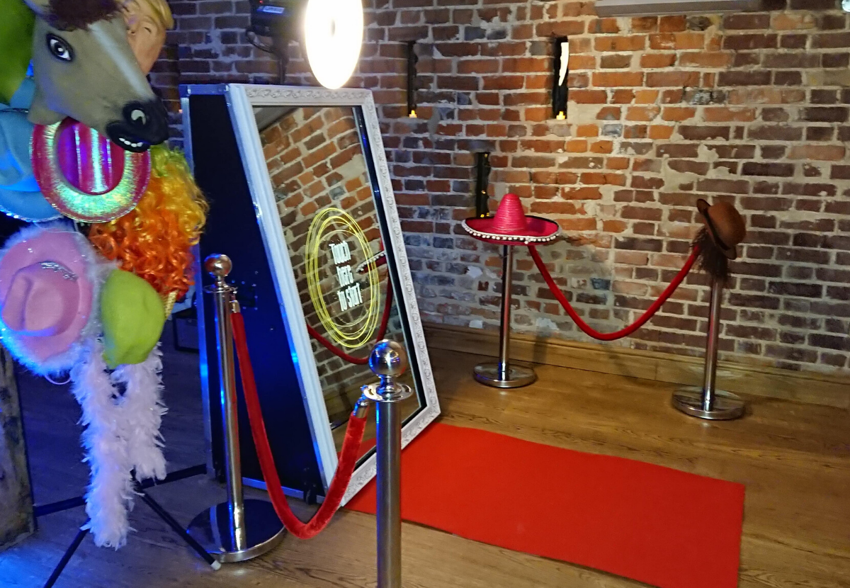 Magic Mirror Hire Aylesbury