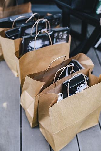 piqsels paper shopping bag.jpg
