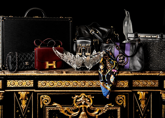 Luxury_group_photo_DSC_1873.png