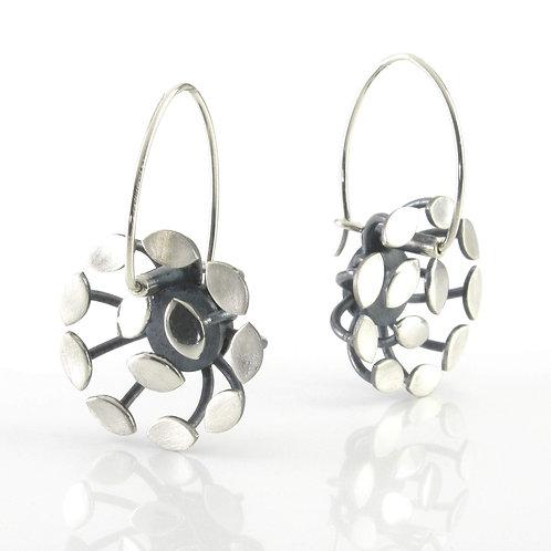 12 Leaf Round Earrings