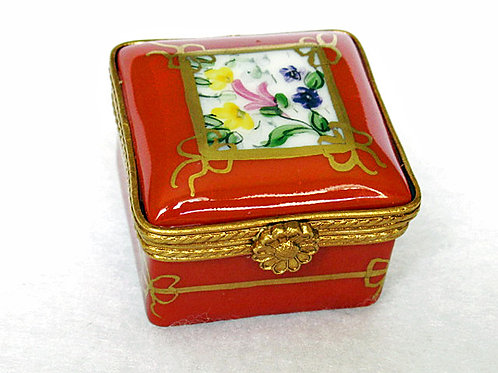 LIMOGES PORCELAIN PILLBOX