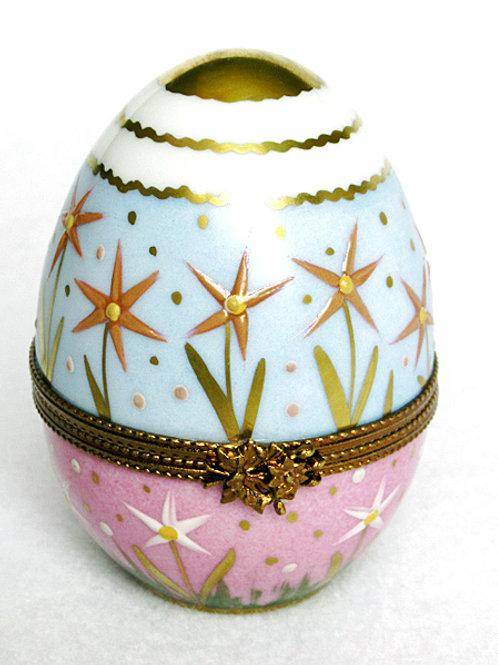 Limoges porcelain medium egg, hand painted