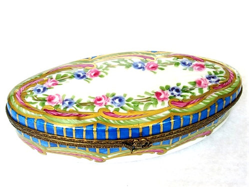 """BARONESSE"" M LIMOGES JEWELRY BOX"