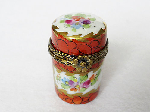 LIMOGES COLLECTIBLE BOX