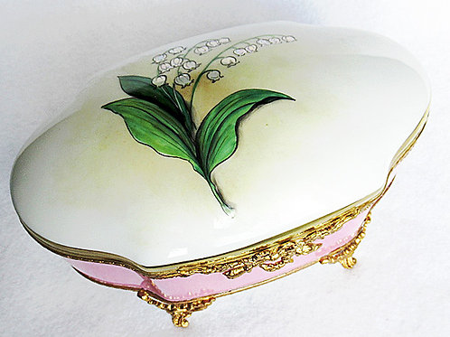 Limoges porcelain hand painted  jewelry box