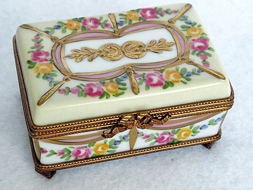 Gold encrusted Limoges hand painted porcelain box